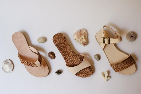 sandalias de piel de pescado