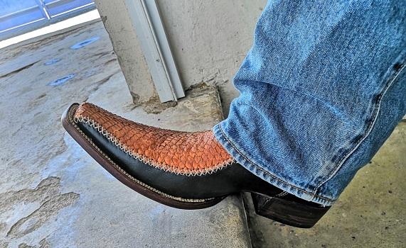 Botas con piel de pescado