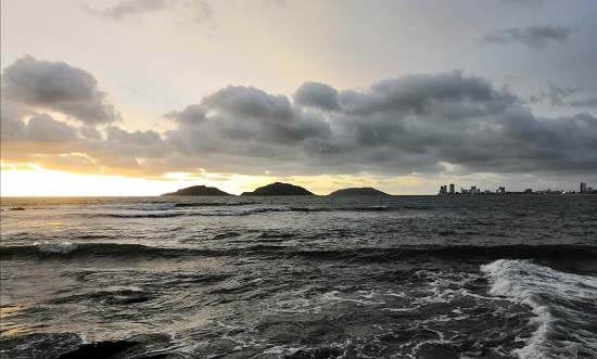 Las islas forman parte del paisaje natural de la bahía de Mazatlán.