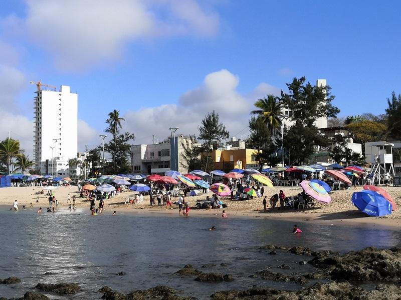 control sanitario en playas de Mazatlán